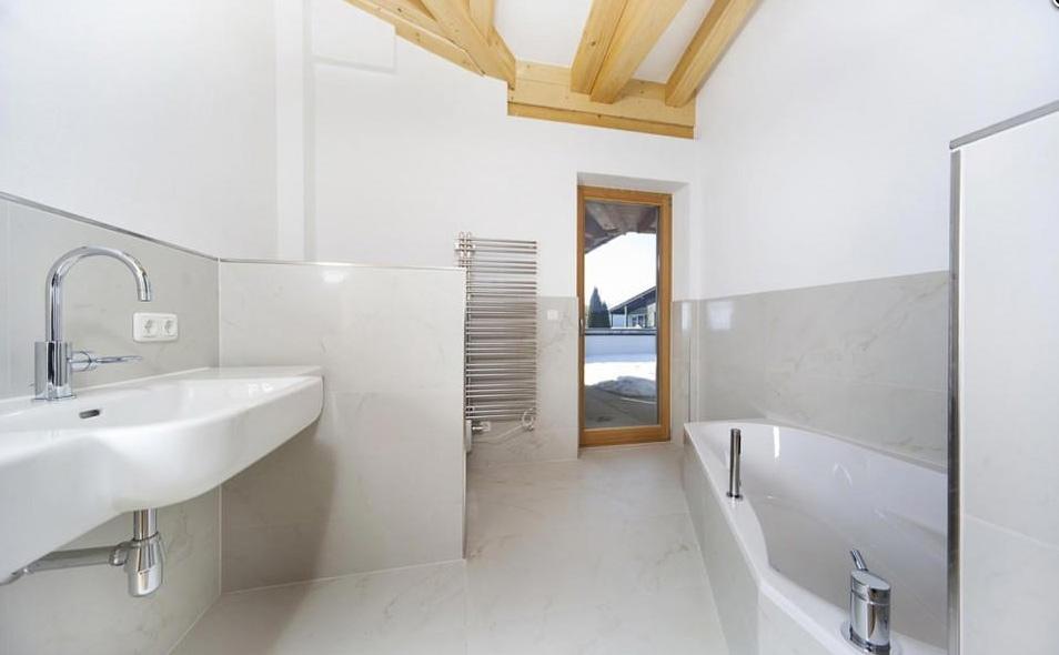badfliesen fliesenstudio tirol. Black Bedroom Furniture Sets. Home Design Ideas