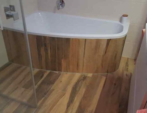 Badrenovierung mit Holzfliesen