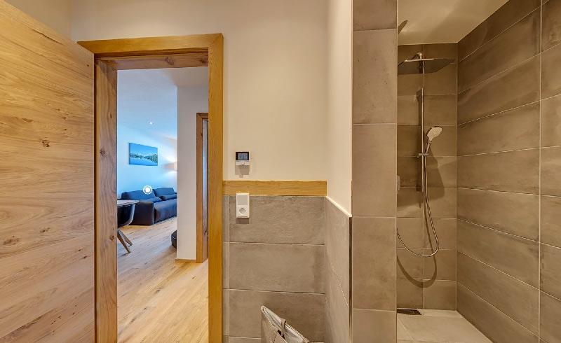 fliesen f r exklusive ferienwohnung fliesenstudio tirol. Black Bedroom Furniture Sets. Home Design Ideas