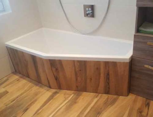 Fliesen in Holzoptik im Bad
